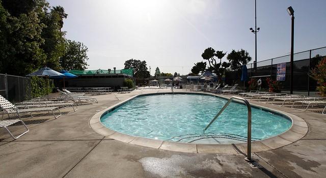 family-swim-club 2